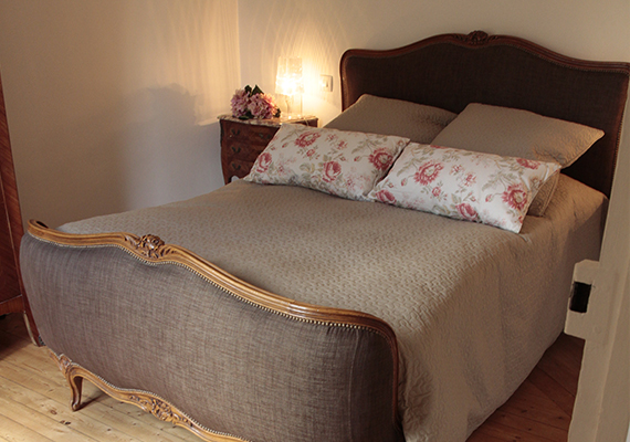 The bedroom has been decorated tastefully with Louis XV furniture that assures you charm and refinement.